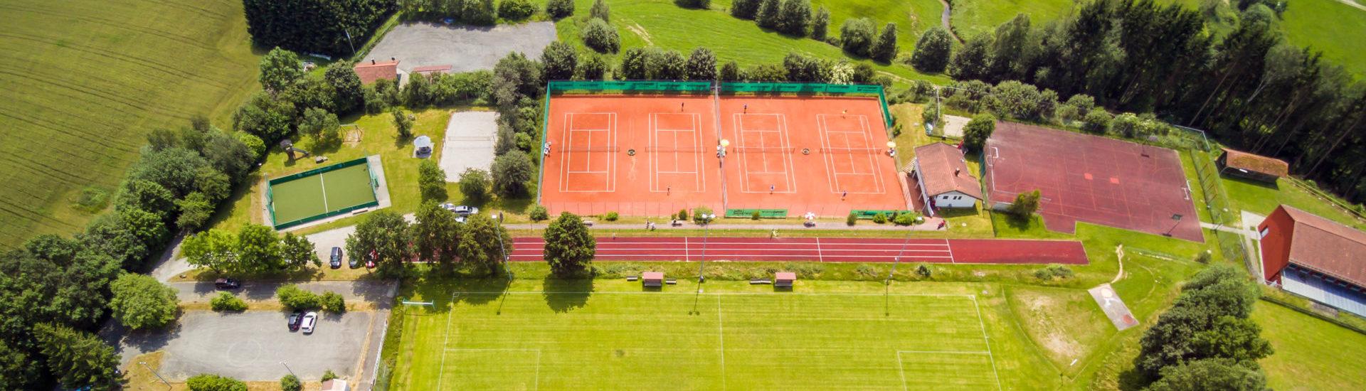 Der Rinchnacher Sportplatz von oben