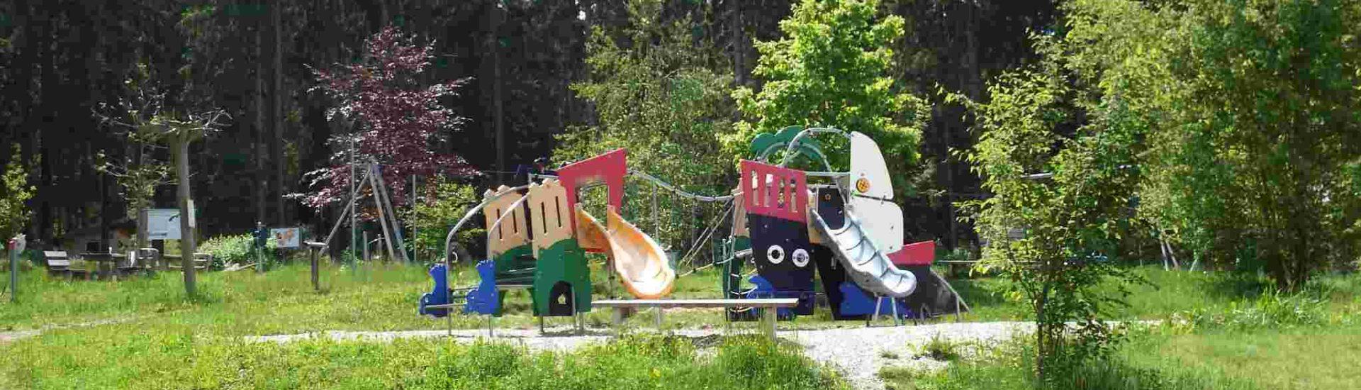 Der Fledermaus-Waldspielplatz